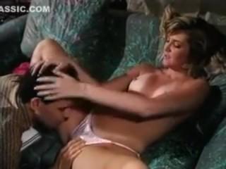 Домашнее ретро порно молодых и горячих брата и сестры