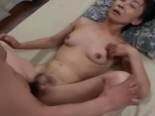 японские бабушки тоже любят поебаться с молодыми