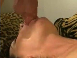Инцест: мама соблазнила сына умелым ротиком и большой грудью