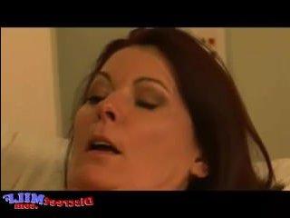 Зрелая тетя соблазнила племянника на быстрый секс