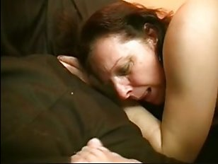 Трахаются на диване в пизду теща и зять: смотреть ебли с родственниками