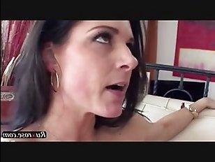 В этом увлекательном инцест хоум видео брат ебет сестру в вагину