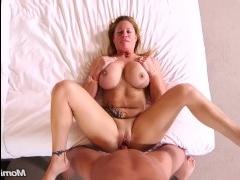 Порно крупным планом блондинки с ее любовником